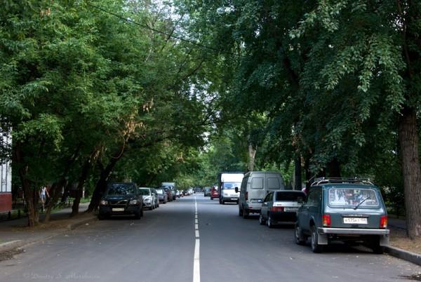 Вид на Магаданскую улицу с Тайнинской