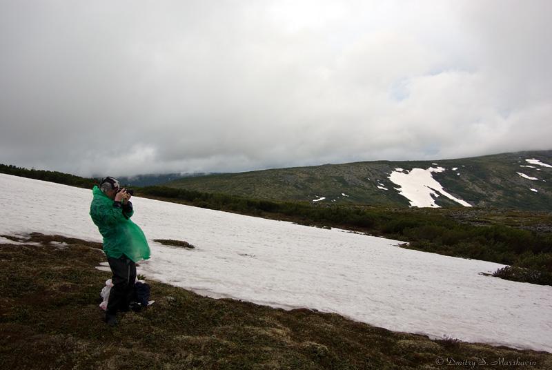 Саша фотографирует пейзажи