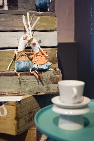 """Выставка Дианы Мисарян """"Комната Алисы"""". Зайцы."""
