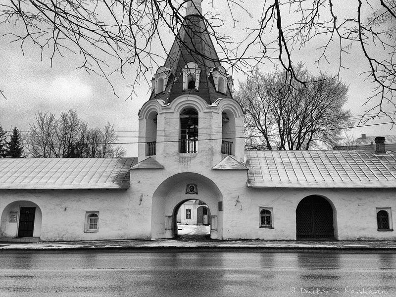 Псков, колокольня церкви Михаила Архангела